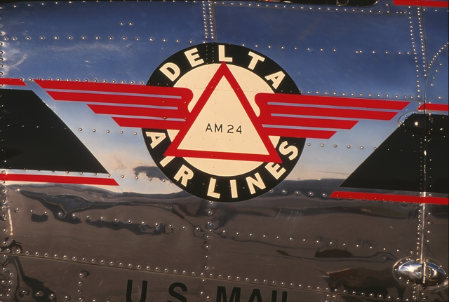 Delta Air Mail 24 logo