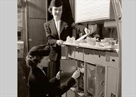dc-4_galley